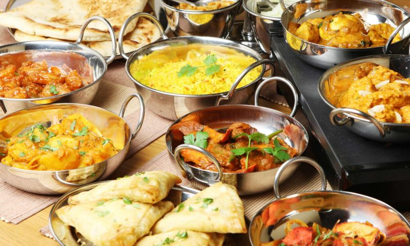 Lækker indisk mad - gratis til hjemløse i København. PR Foto