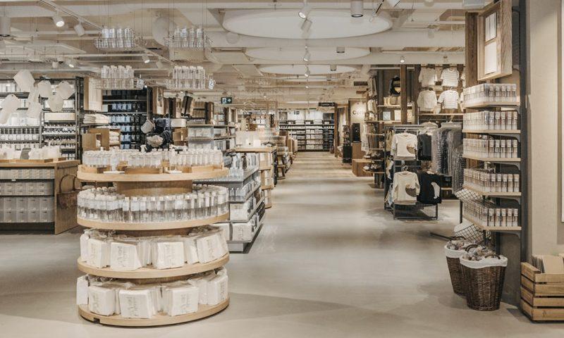 Sådan ser Mujis butik ud i Stockholm. Nu åbner det japanske firma sin første butik i Danmark. Foto: PR