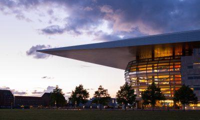 I denne weekend kan du bl.a. opleve en ny forestilling i Operaen. Foto: Pxhere