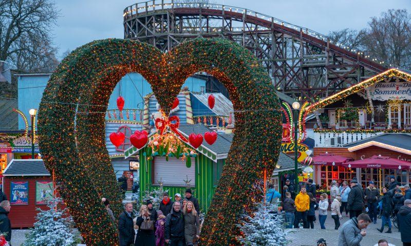 Nu er det igen jul på Bakken. Foto: PR