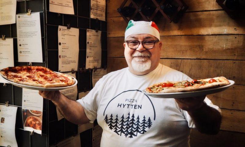 Angelo som er manden bag Pizza Hytten