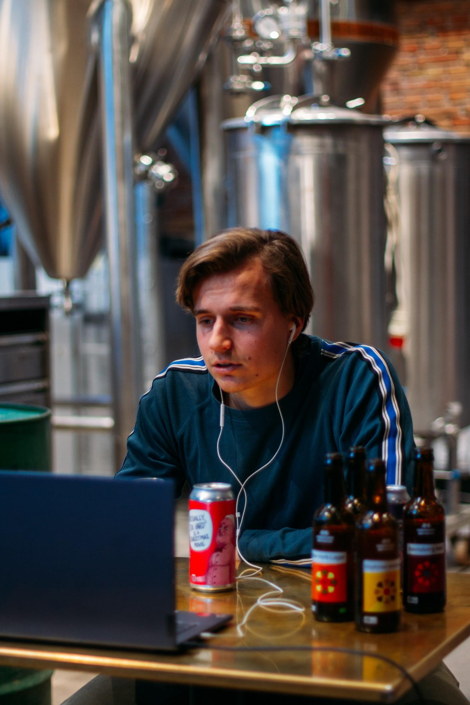 Hitter i Aalborg: Virtuelle øl-oplevelser for dig og kollegerne