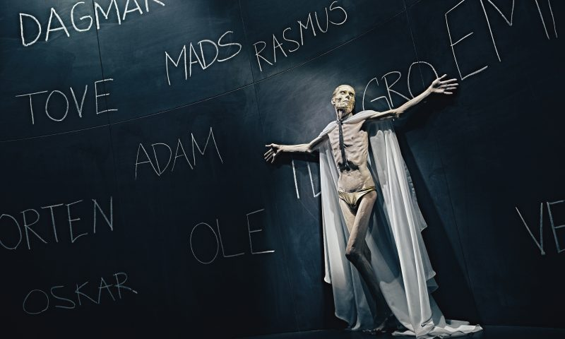 """Verdensfrelserinden"" Teater Sort/Hvid - The Nielsen Movement - 2021"
