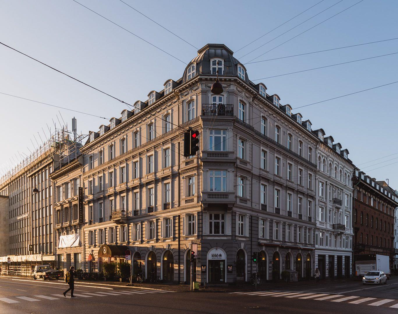 Skarp pris: Overnat i verdens måske største samling af danske designermøbler
