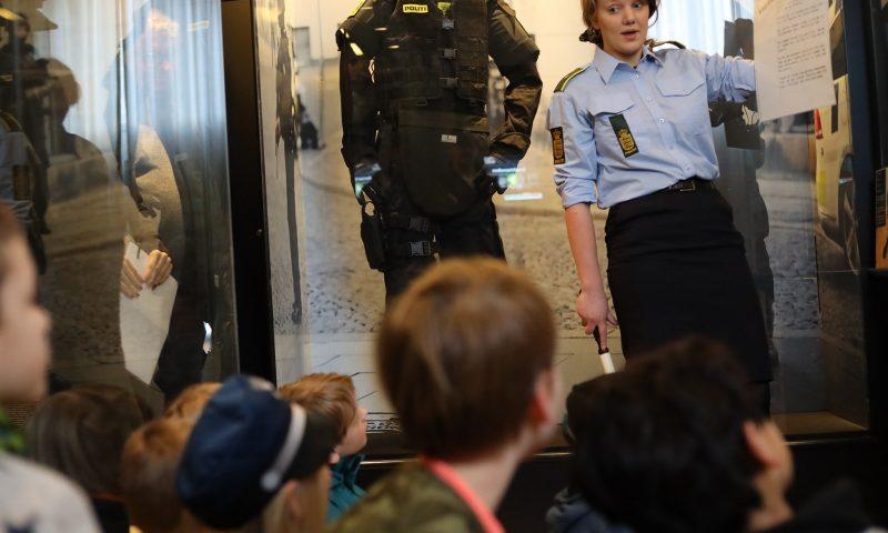 På Politimuseet i København kan ungerne opklare forbrydelser og lære om politiets historie. Foto: PR