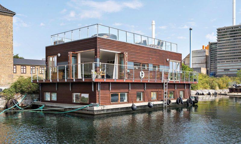 Nu kan unik husbåd i Københavns Havn blive din. Foto: Robinhus