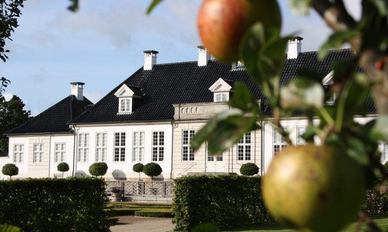 Gl. Holtegaard nord for København inviterer til æbledag. Foto: PR