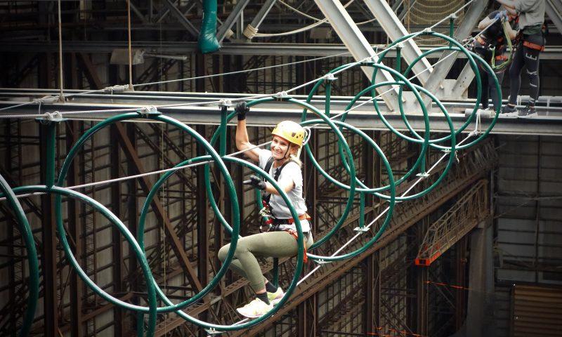 Hos Urban Ranger Camp kan du prøve verdens højeste indendørs High Roping-bane. Foto: PR