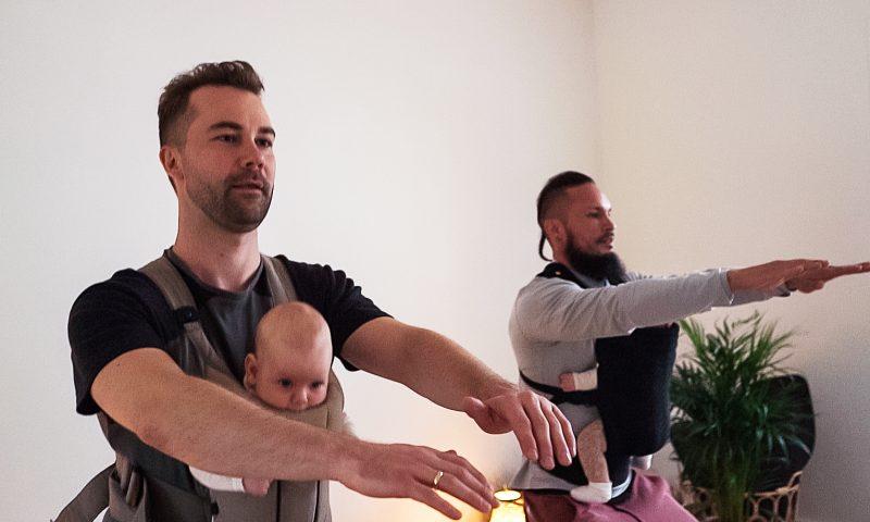 Både mødre og fædre kan træne med deres babyer hos Kids Kollektive. Foto: PR